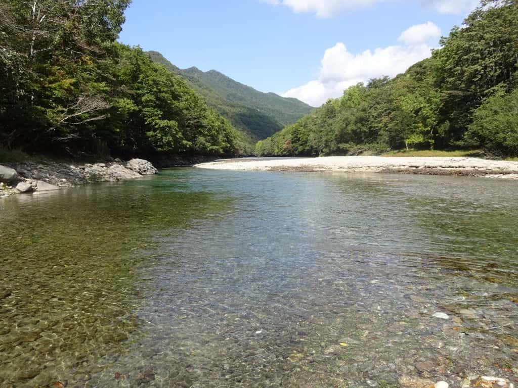 幌満川景観