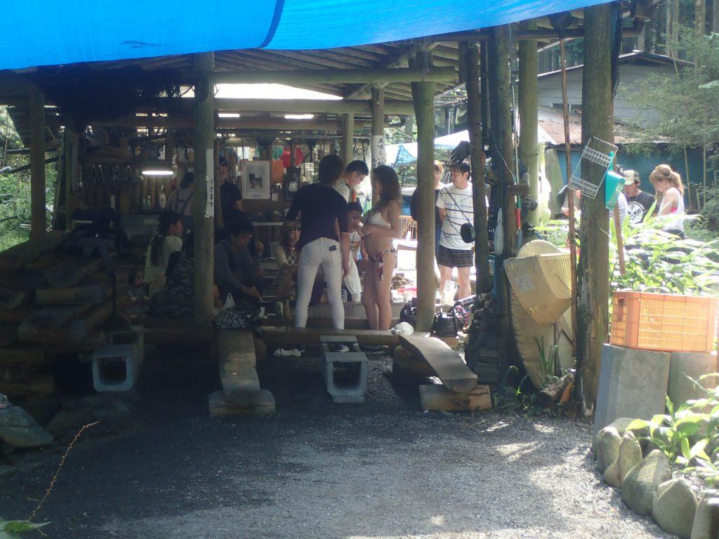 京都高野川江本養魚場